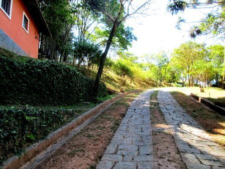 http://www.toribioimoveis.com.br/fotos_imoveis/398/IMG_0452.JPG