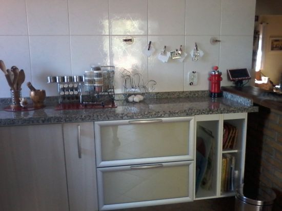 http://www.toribioimoveis.com.br/fotos_imoveis/816/20150813_cozinha.jpg