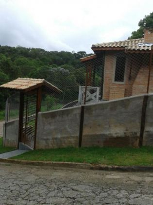 http://www.toribioimoveis.com.br/fotos_imoveis/920/IMG_3072.JPG